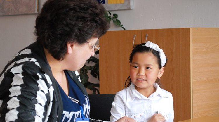 USAID помогает улучшить навыки чтения учеников начальных классов – оценка проекта